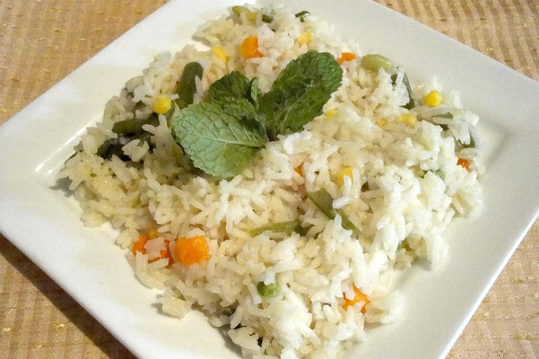 como preparar un arroz blanco con verduras