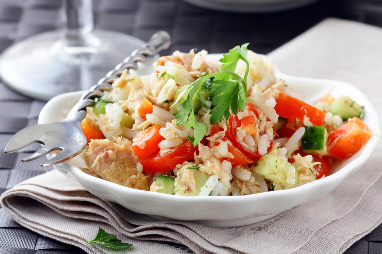 Ensalada de arroz con at n y huevo - Ensalada de arroz y atun ...